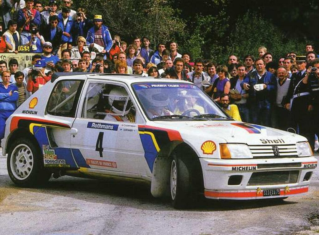peugeot-205-turbo-avtomobili-gruppy-b